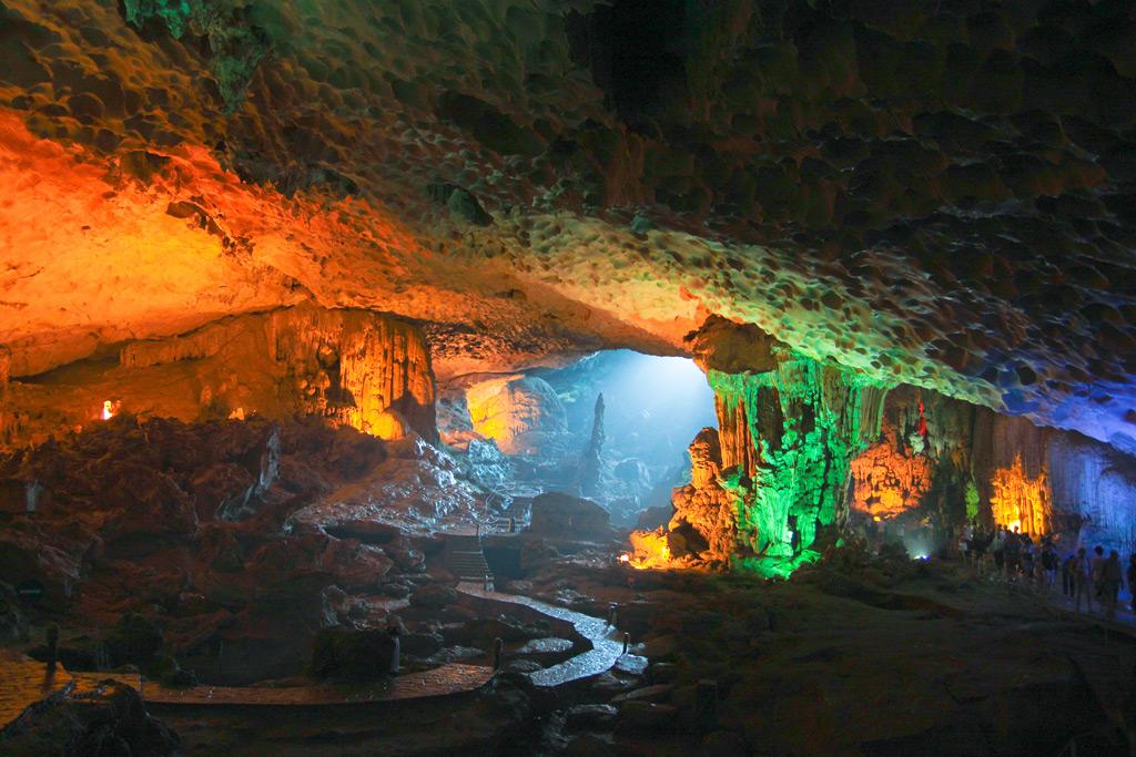 Фото: Пещера Шондонг