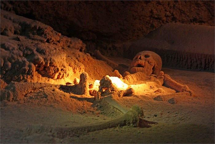 Фото: Останки человеческих скелетов