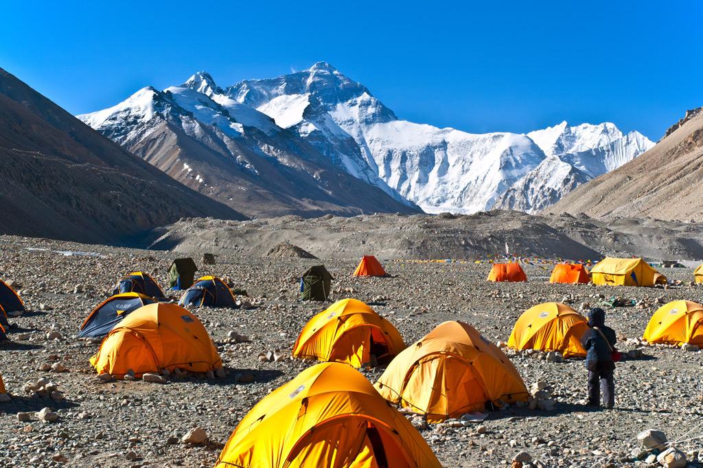 сколько занимает восхождение на эверест