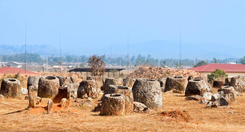 Фото: Каменные кувшины в долине
