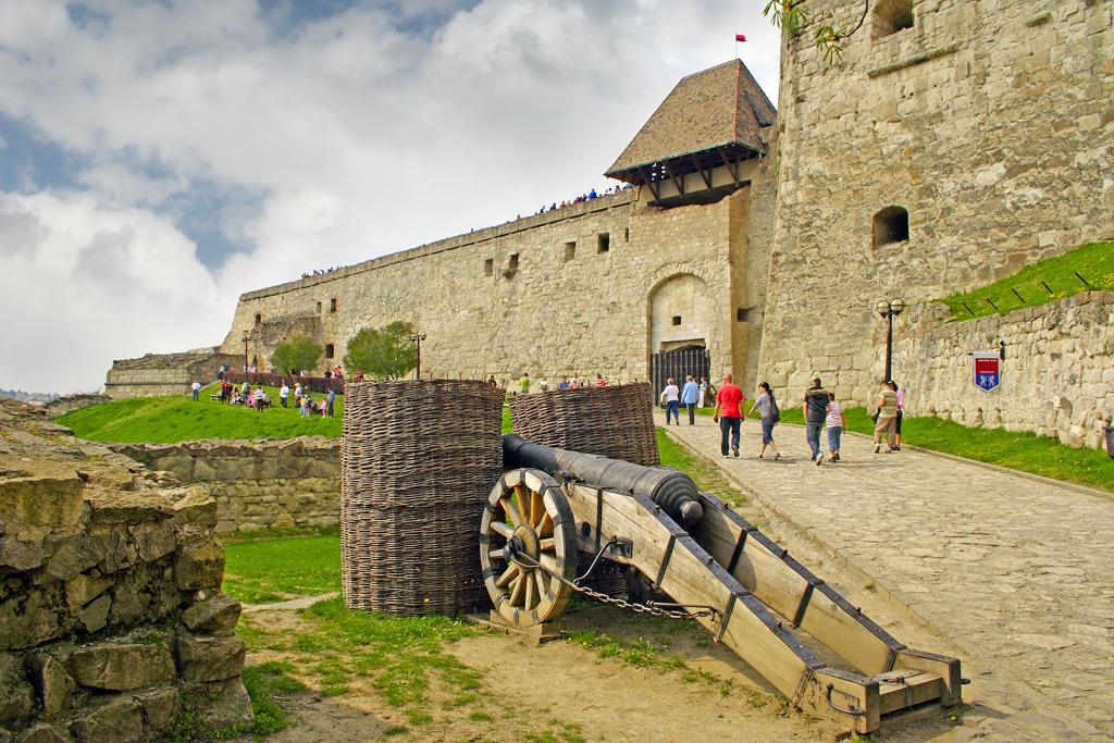 Фото: Эгерская крепость