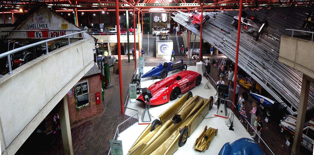Фото: Музей автомобилей в Энкампе