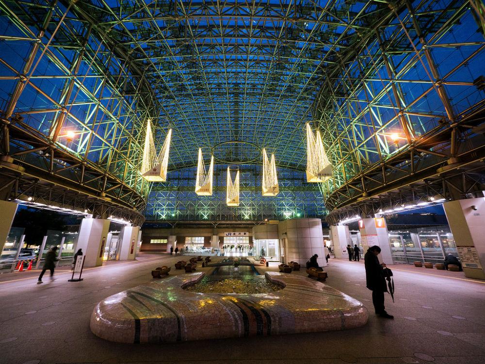 Фото: Kanazawa Station 10 самых красивых железнодорожных вокзалов мира 10 самых красивых железнодорожных вокзалов мира kanazawa station