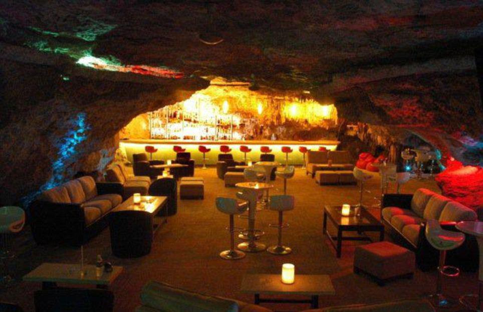Фото: Alux Caverna Lounge