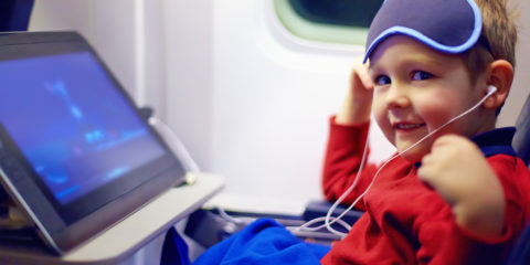 little-kid-during-the-long-flight