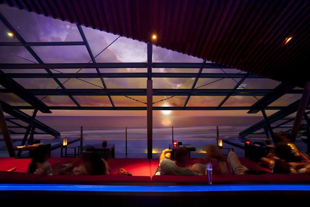 Фото: SOS Rooftop Lounge & Bar