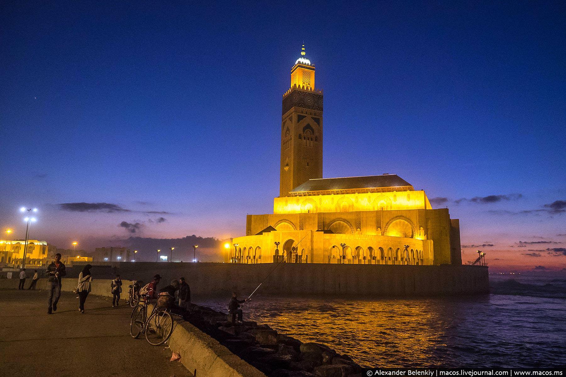 Фото: Мечеть ночью
