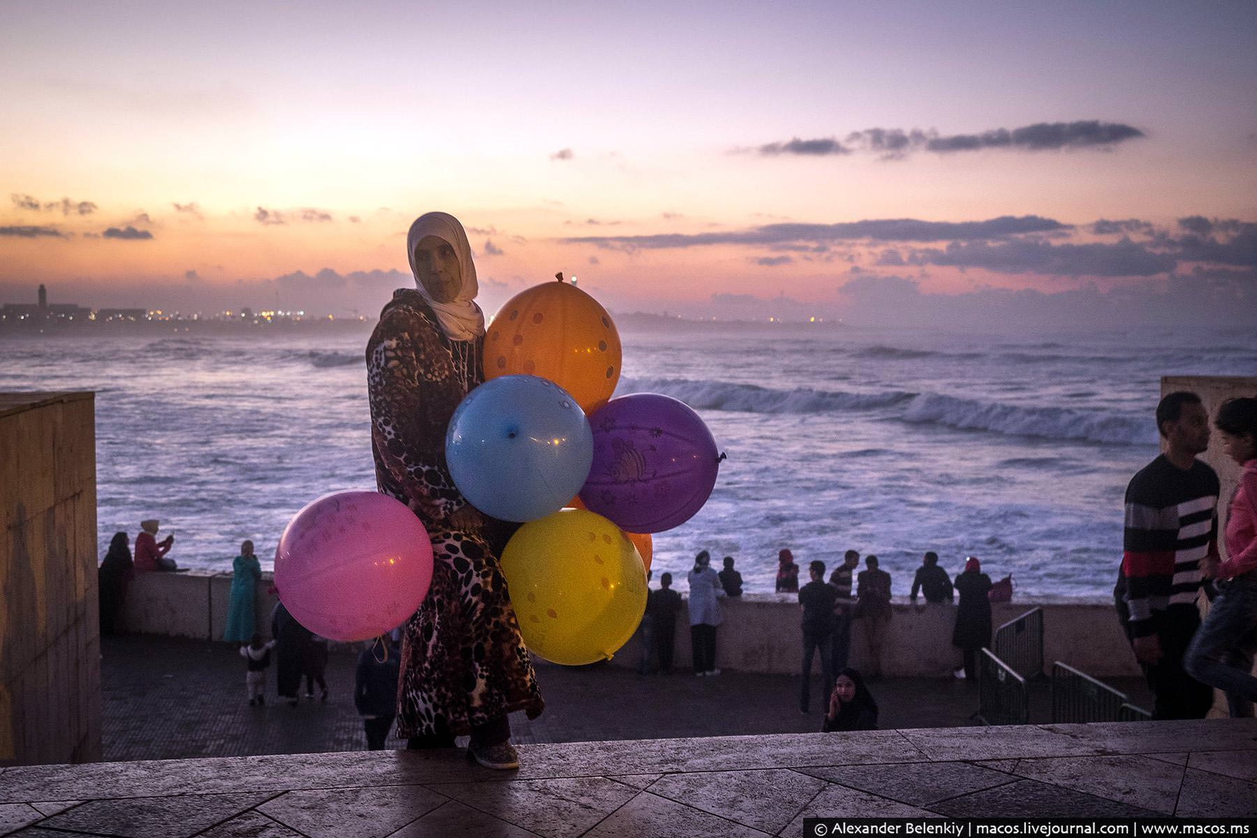 Фото: Женщина с шариками