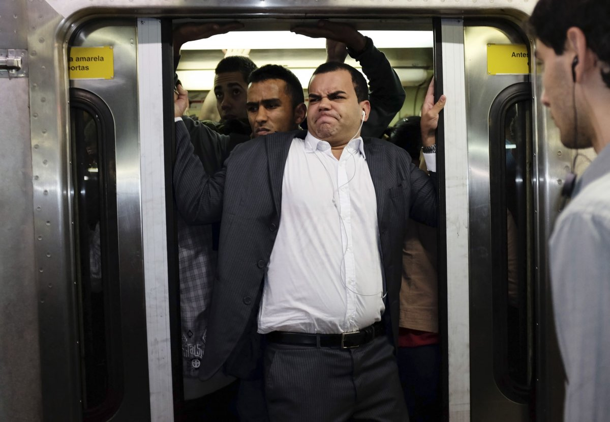 Фото: Дверь в поезде