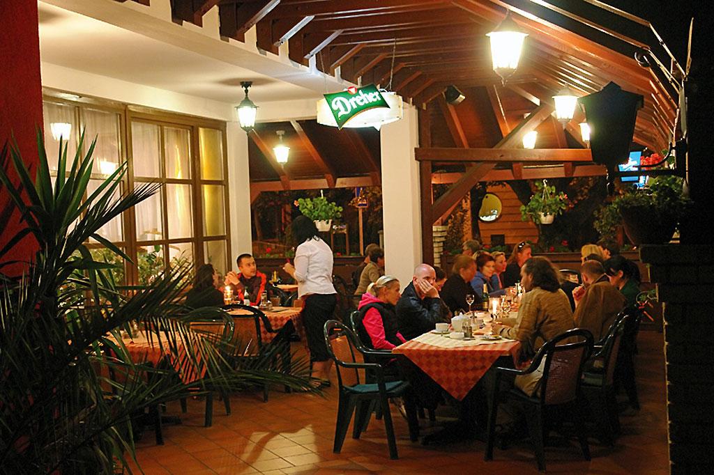 Фото: Ресторан в Хевизе