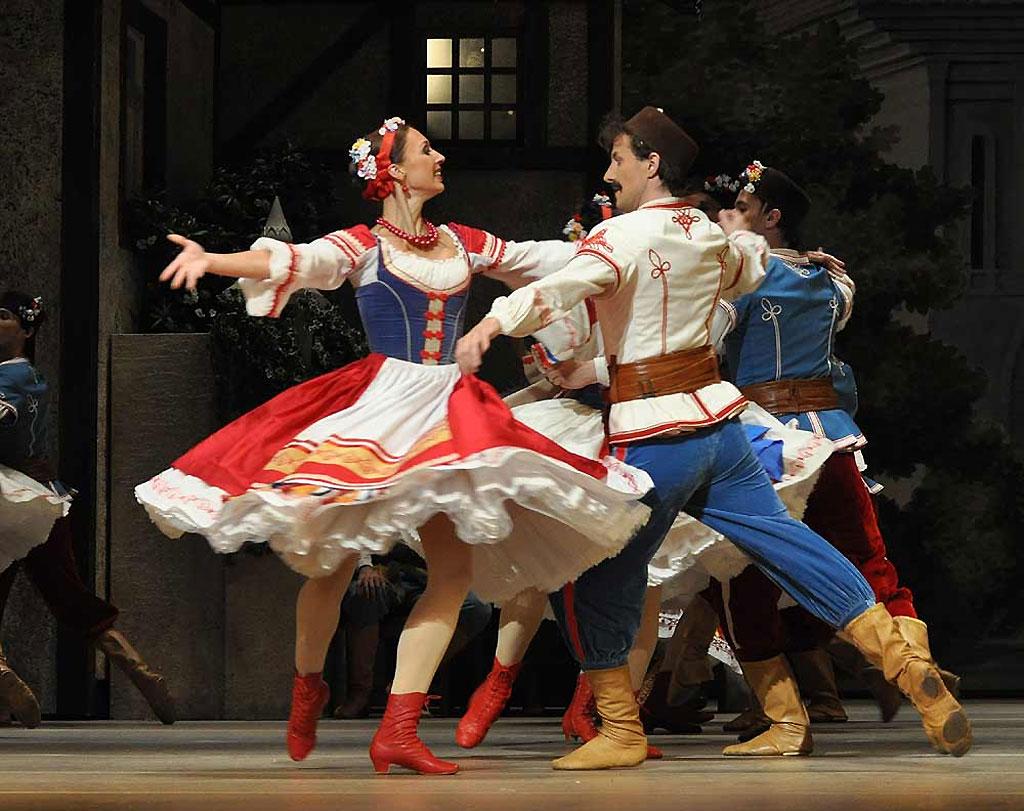 Фото: Танцоры