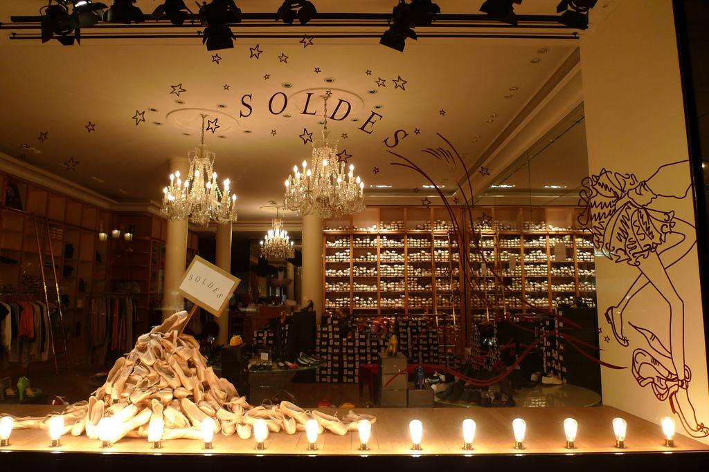 Фото: Зимние распродажи в Париже