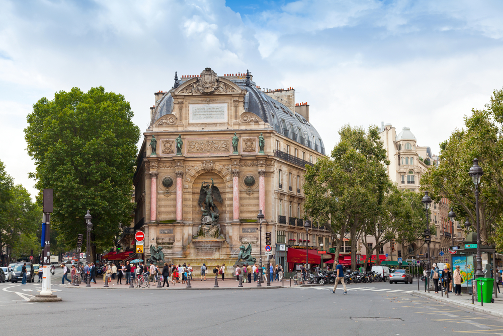 Фото: Площадь Сен-Мишель