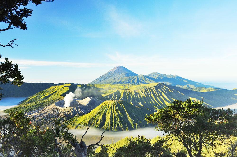Фото: Вулканический комплекс Тенгер