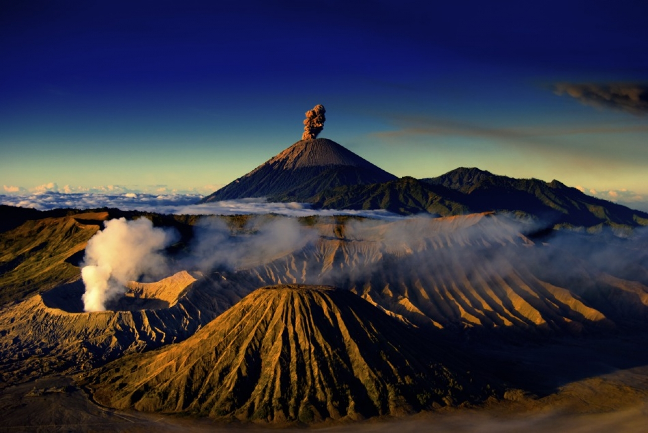 Фото: Вулканы на Яве
