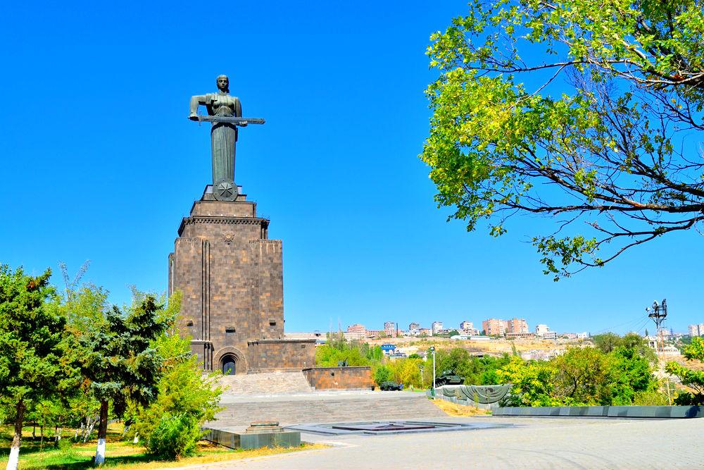 Фото: Монумент Мать-Армения