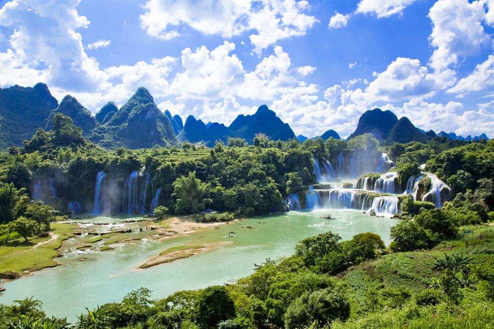 Фото: Водопад Дэтянь