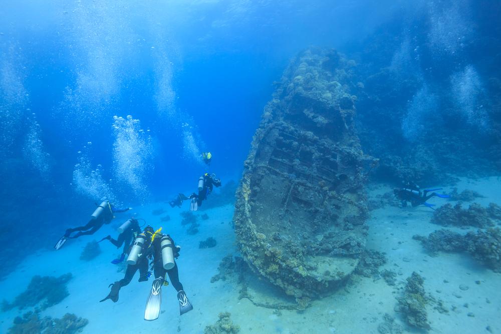 Фото: Затонувший корабль