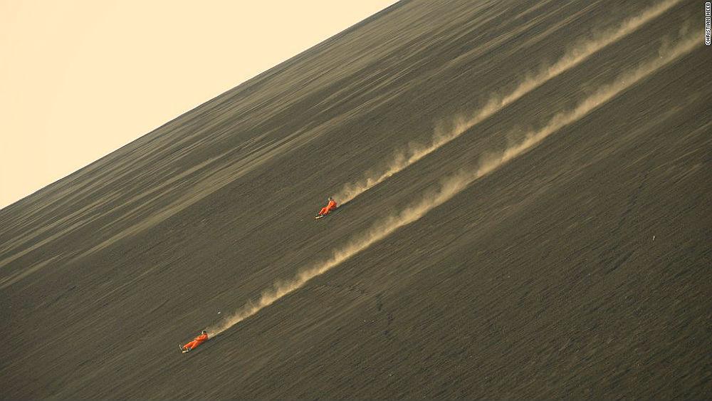 Фото: Сёрфинг на склонах вулкана