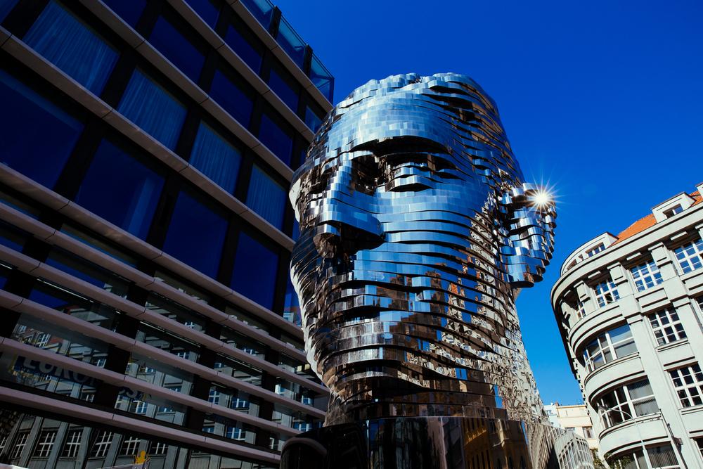 Фото: Скульптура «Голова Франца Кафки»