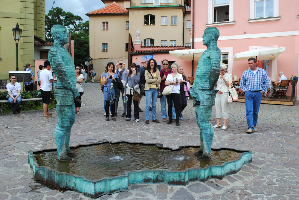Фото: Скульптура «Писающие мужчины»