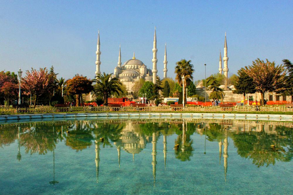 Фото: Площадь Султанахмет