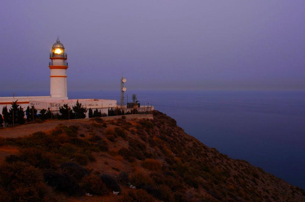 Фото: Маяк Faro de Cabo Sacratif