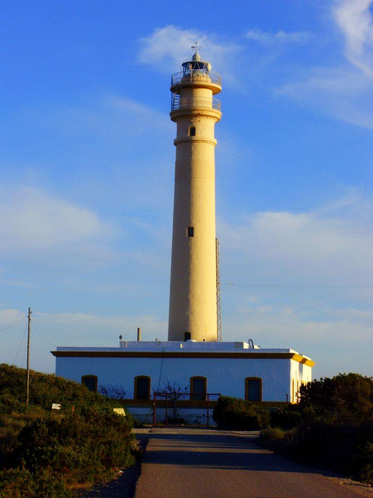 Фото: Маяк Faro de Punta Sabinal