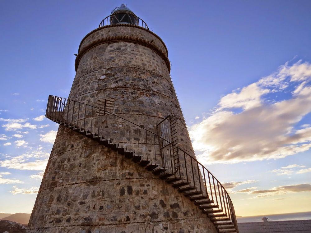 Фото: Маяк Faro de Punta de la Mona
