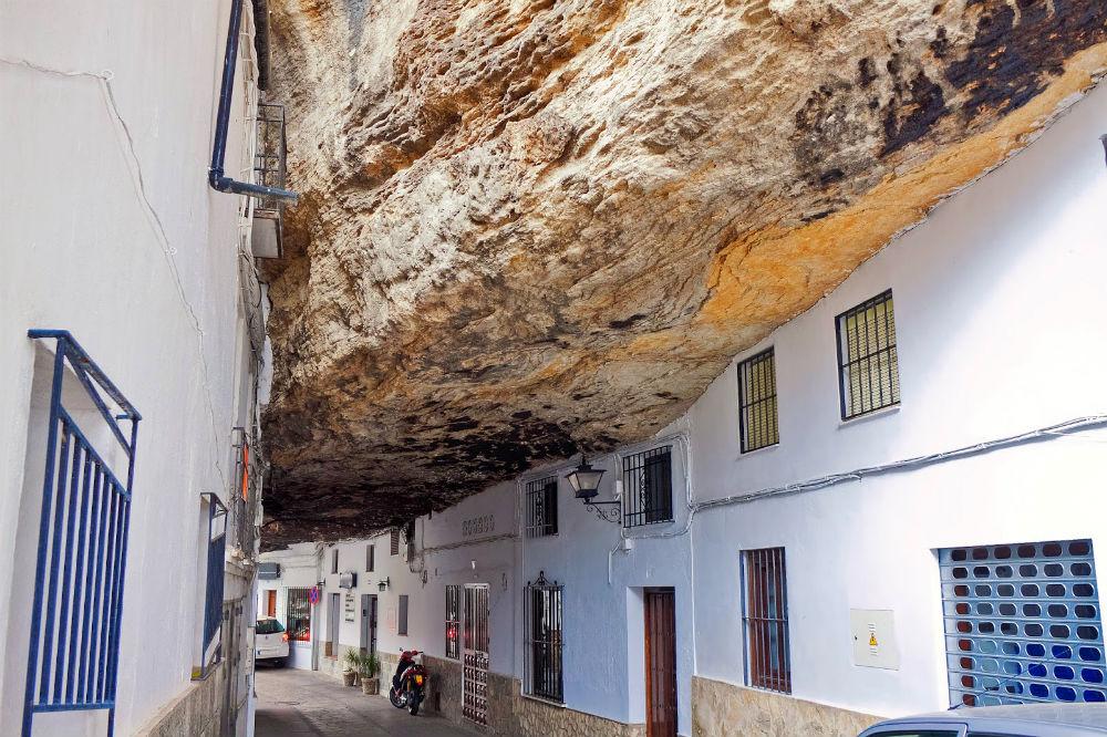 Фото: Город Сетениль-де-лас-Бодегас