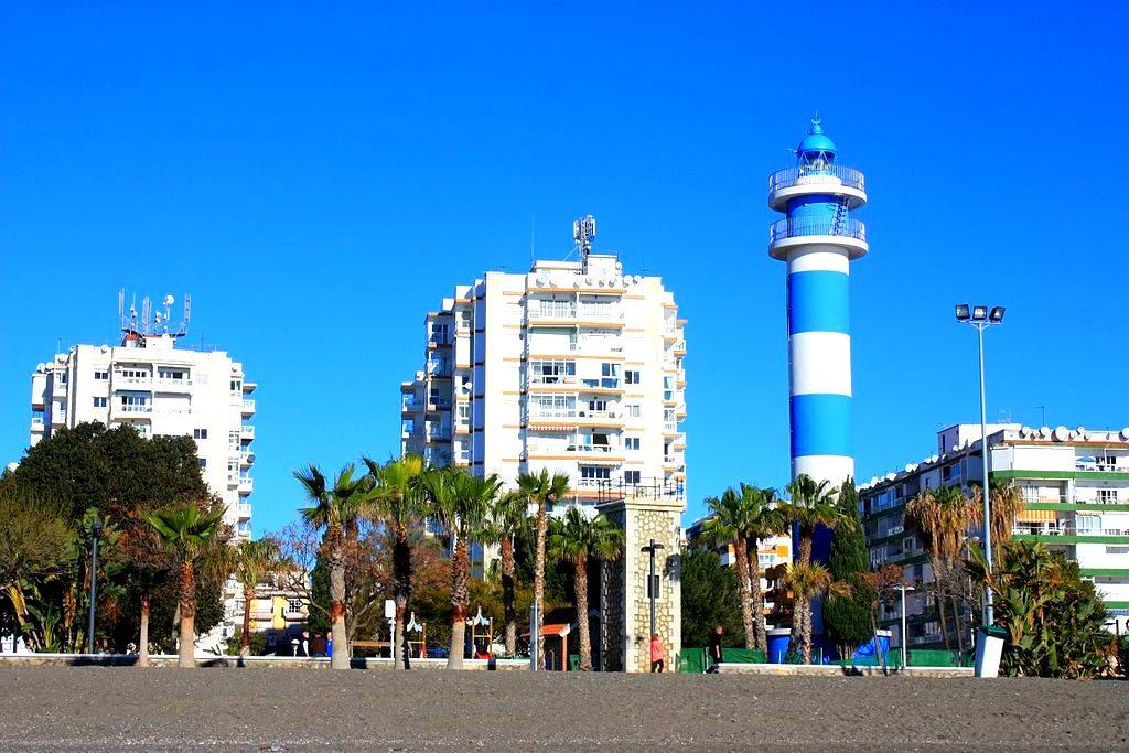 Фото: Маяк Faro de Torre del Mar