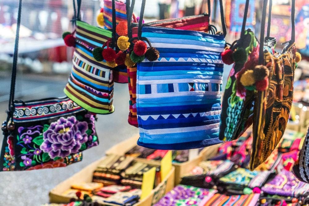 Фото: Chiang Mai Night Bazaar, Чиангмай, Таиланд