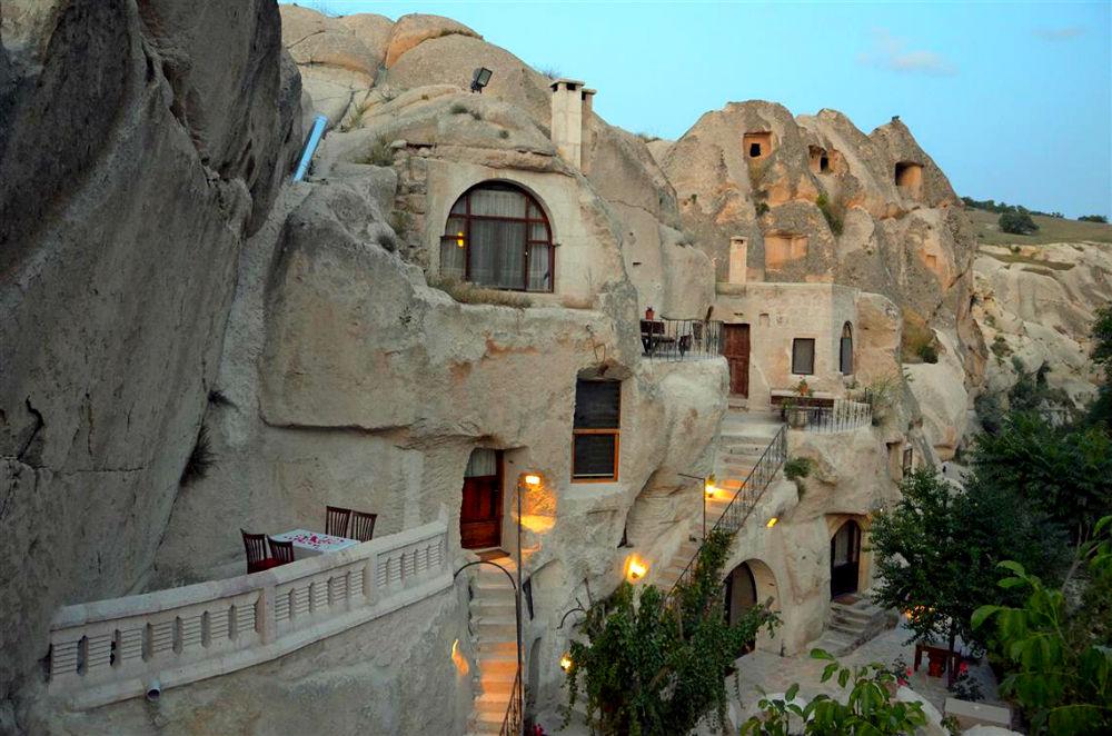 Фото: Отель в каменной пещере, Турция