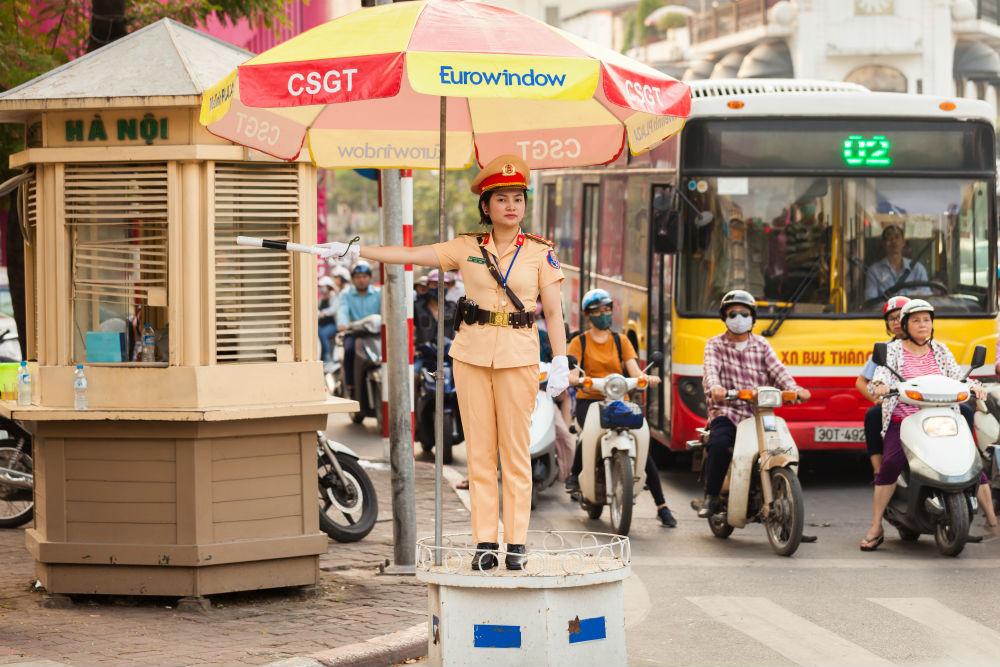 Фото: Инспектор дорожной полиции во Вьетнаме