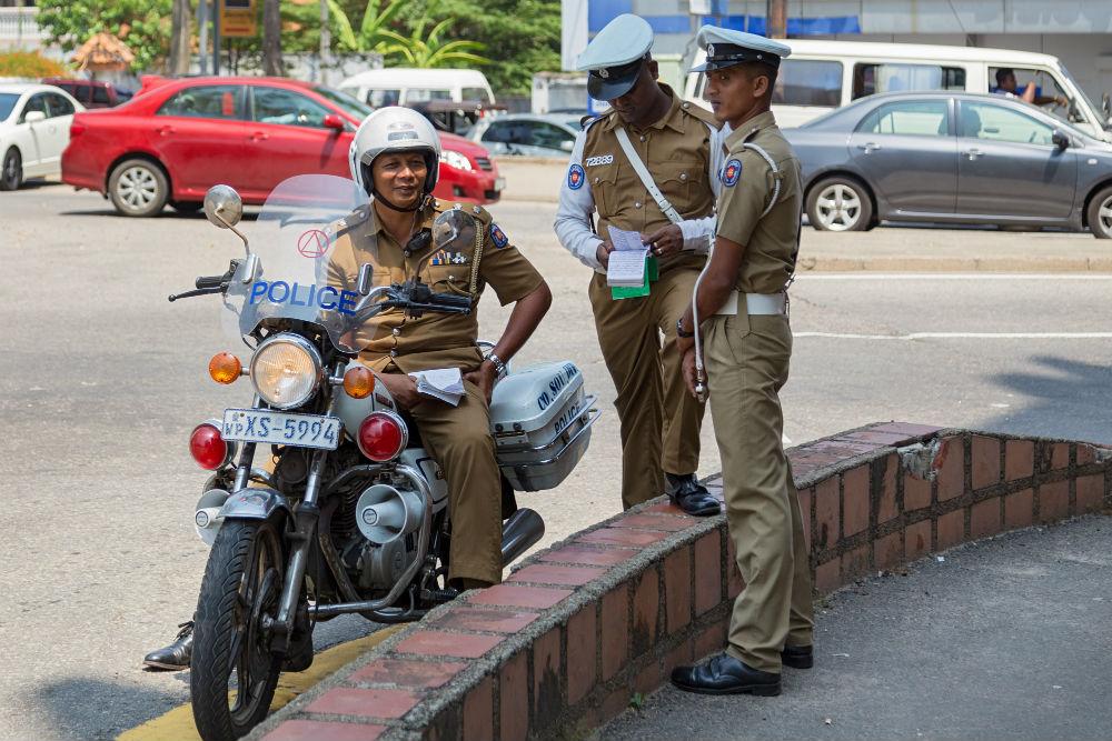 Фото: Инспектора дорожной полиции на Шри-Ланке