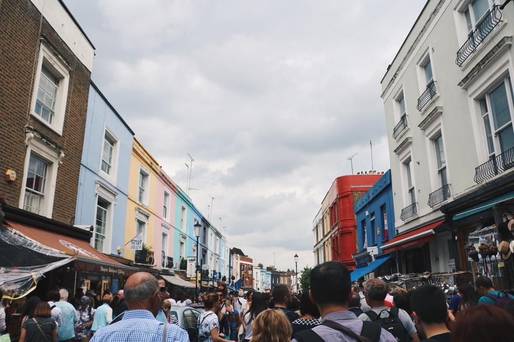 Фото: Portobello Road Market, Лондон, Великобритания