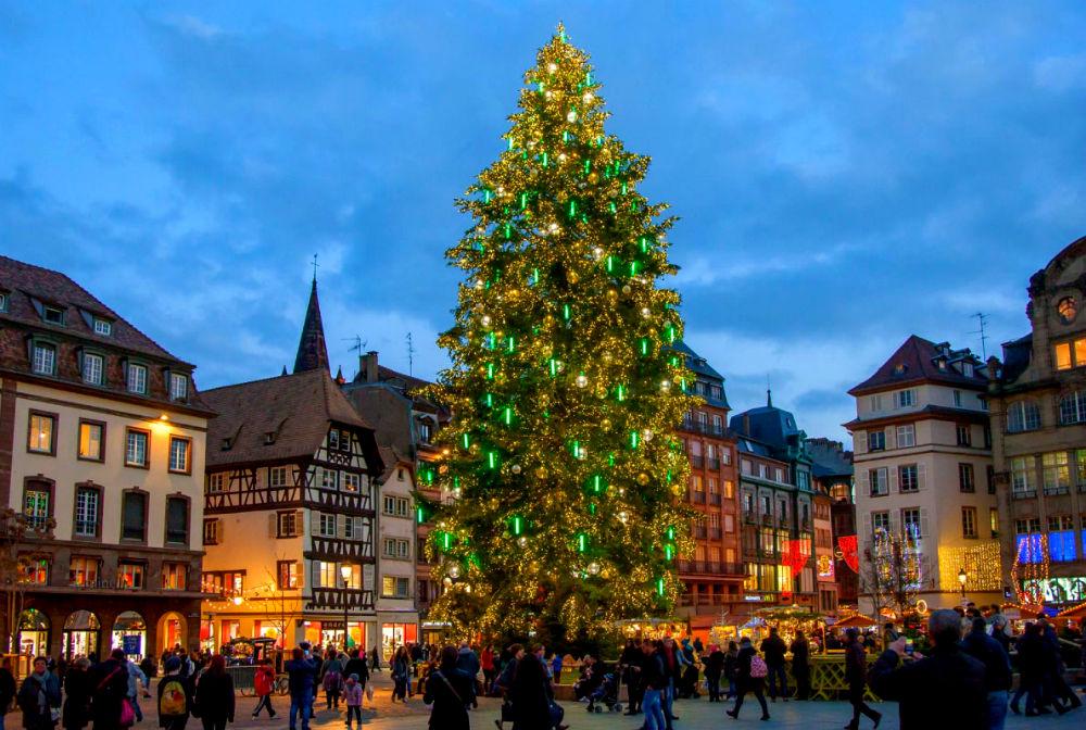 Фото: Рождественская ярмарка в Страсбурге