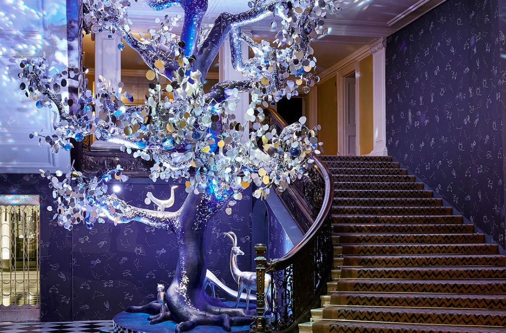 Фото: Рождественское оформление в Claridge's Hotel