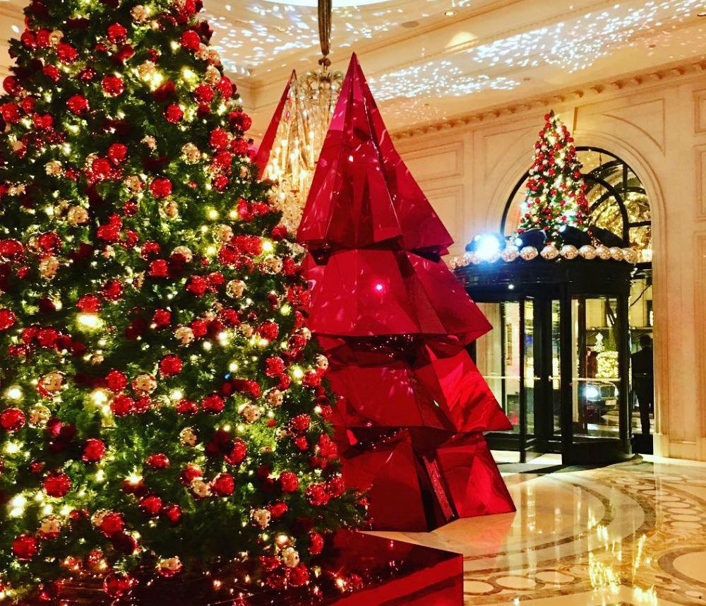 Фото: Рождественское оформление в Four Seasons Paris