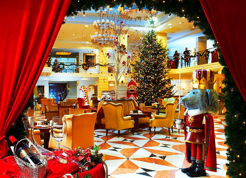 Фото: Рождественское оформление в отеле Кемпински Мойка 22