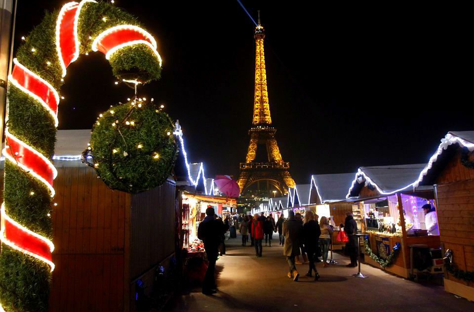 Фото: Рождественская ярмарка в Париже
