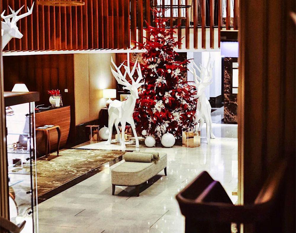 Фото: Рождественское оформление в The Ritz-Carlton
