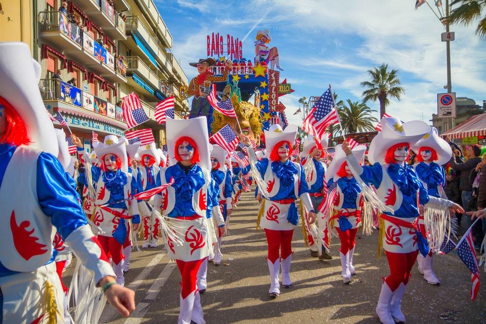 Фото: Карнавал в Виареджо