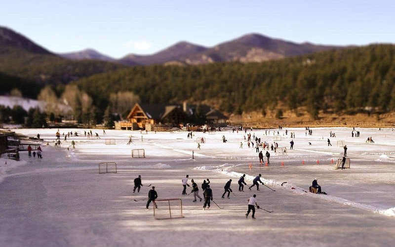 Фото: Каток на озере Эвергрин