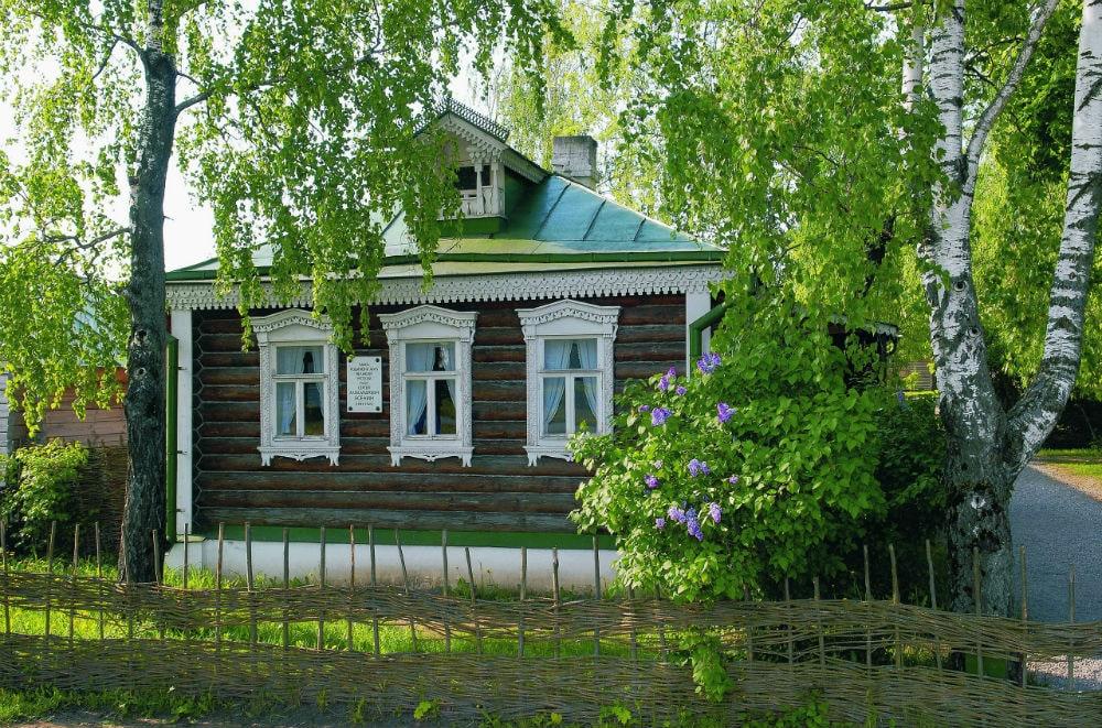 Photo: S.A.  Yesenin