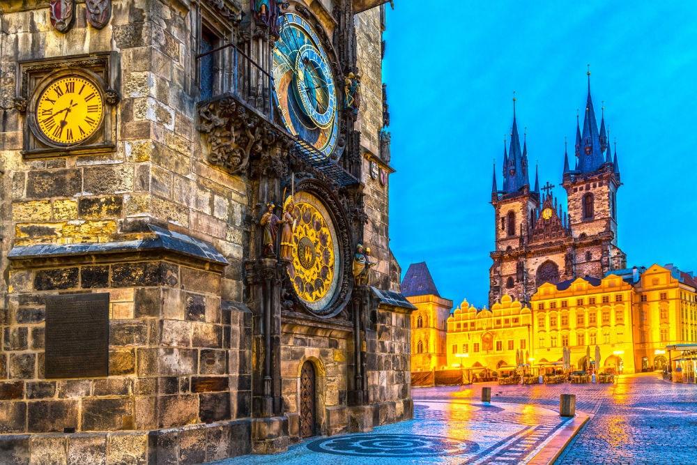 В Прагу на День Влюбленных !