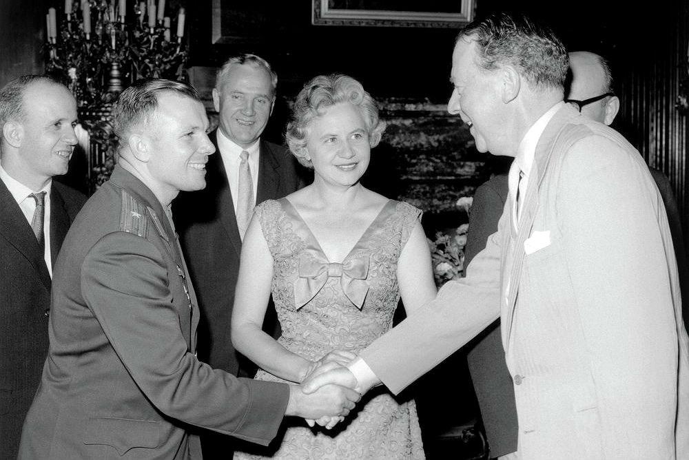Фото: Гагарин в Великобритании