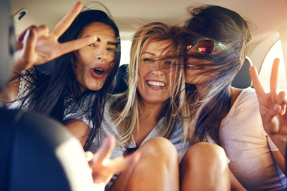 Фото: Игры в машине