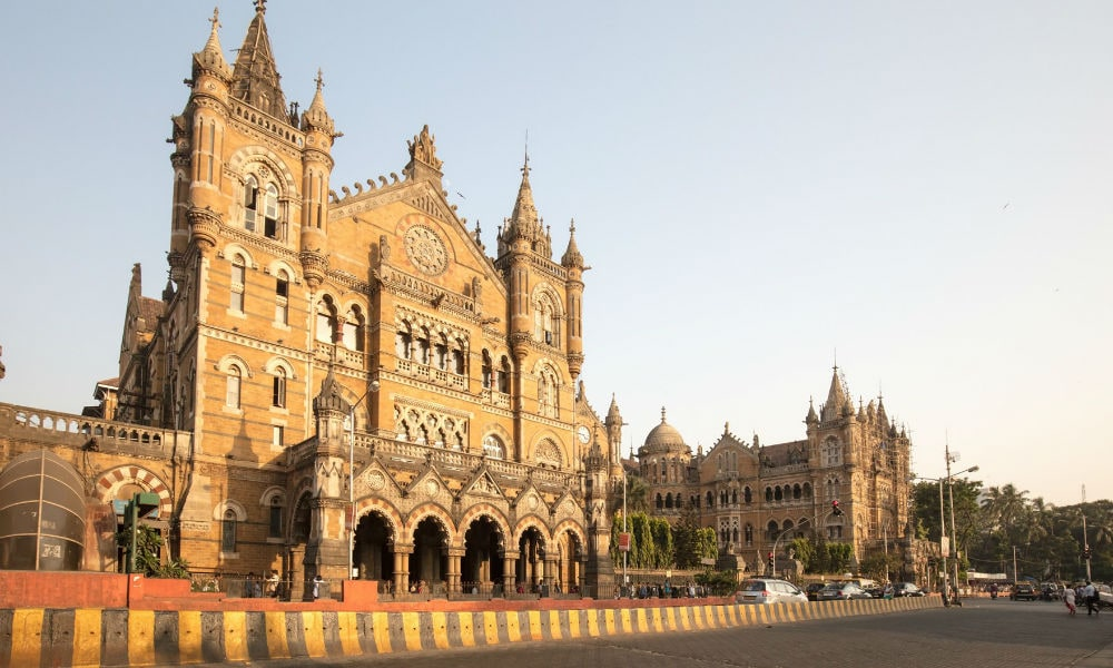 Фото: Chhatrapati Shivaji Terminus 10 самых красивых железнодорожных вокзалов мира 10 самых красивых железнодорожных вокзалов мира chhatrapati shivaji terminus