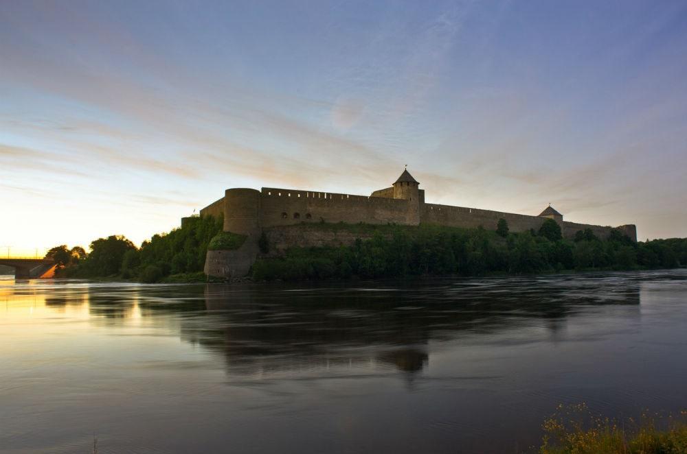 Фото: Ивангородская крепость